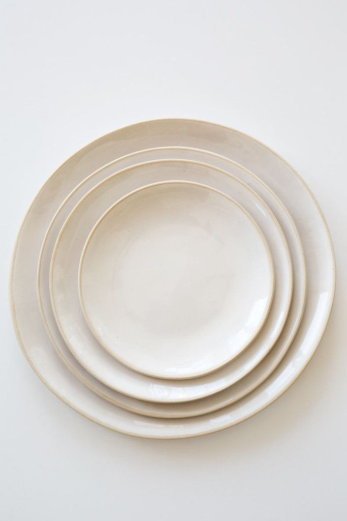wonki ware white dinner plates-sold individually- – Lost & Found