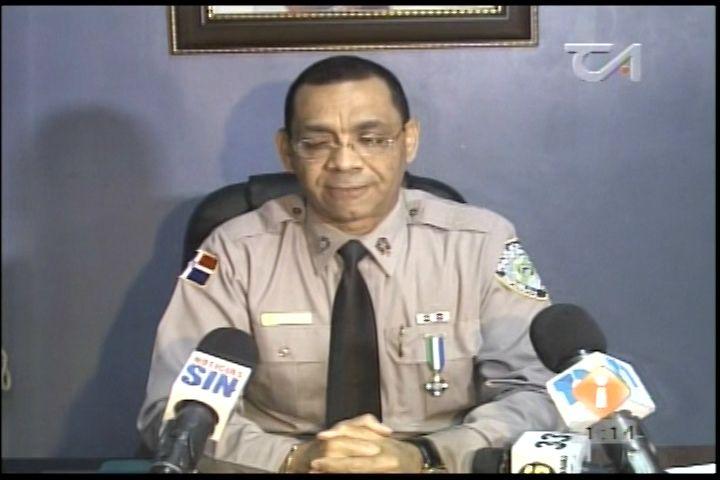 Dos Asaltantes Y Un Mayor De La Policía Resultaron Heridos