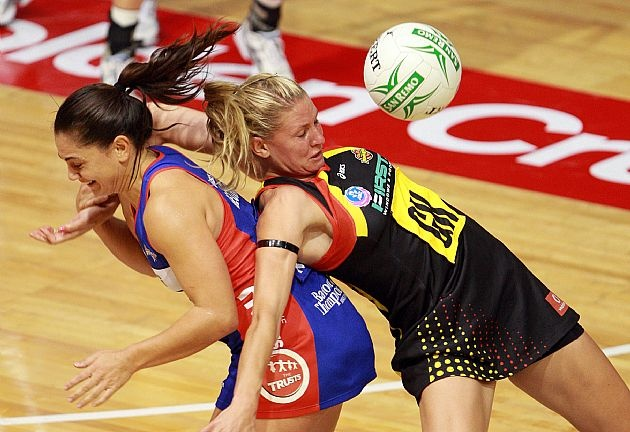 George v Williams, Mystics v Magic, ANZ Championships 2011 #netball