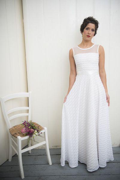 """bodenlanges Brautkleid """"Schneeglöckchen"""" von Ave evA auf DaWanda.com"""