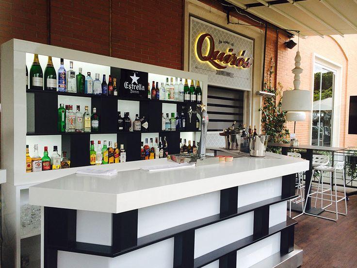La barra de la terraza del restaurante La Casa de Quirós