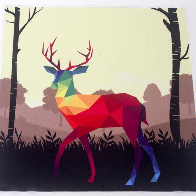 Mozaic reindeer in multicolor printed on Hygete #digitalprinting #textileprinting #sublimationprinting #sublimation #digitaltextileprinting