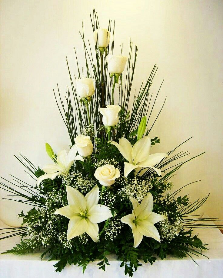 White lilies and roses with ferns look lovely for wedding anniversaries Gifting. #InspiredFloralCreations #Kanpur