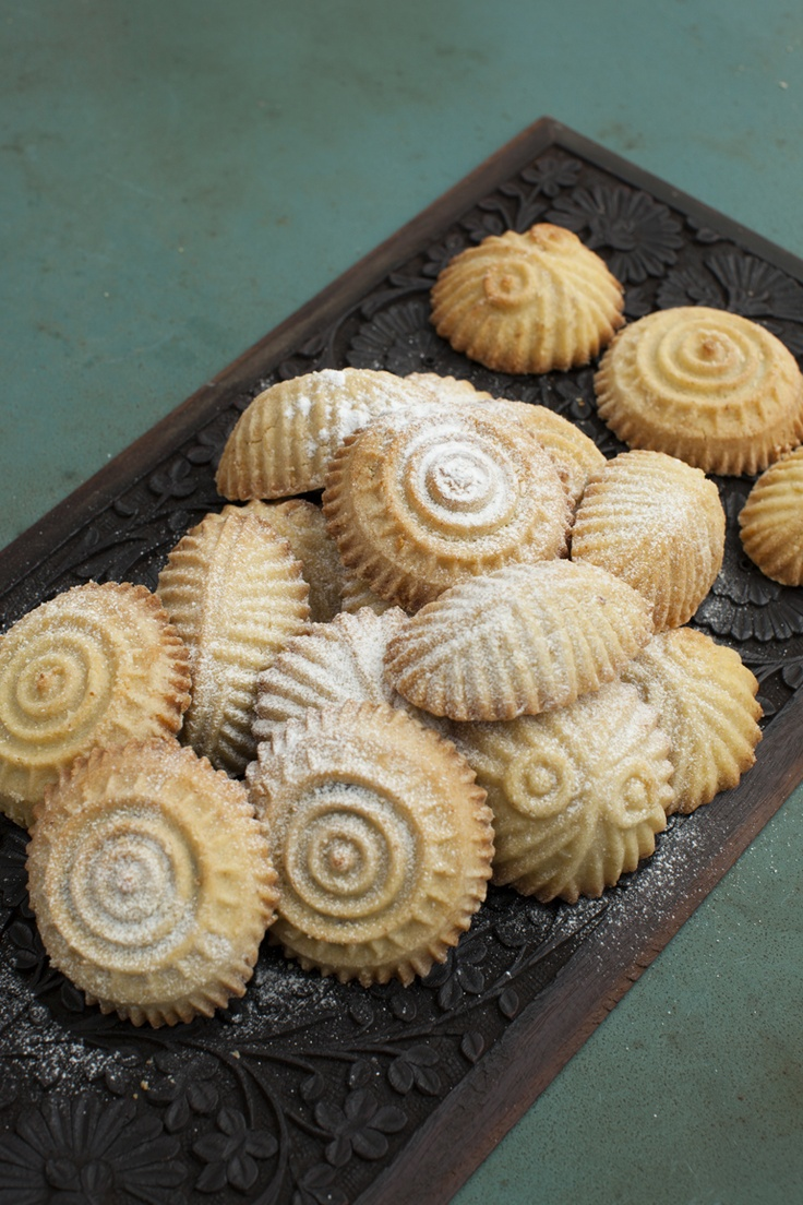Traditional Lebanese Ma'Mool Sweets. Great for deserts or with your tea.   Read recipe here: http://www.the-lebanese-kitchen.com/recipes/desserts/mamool-cookies/