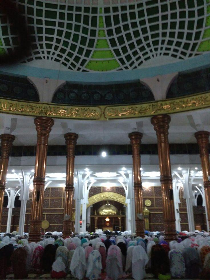 Tarawih in Masjid Agung al-Falah Jambi