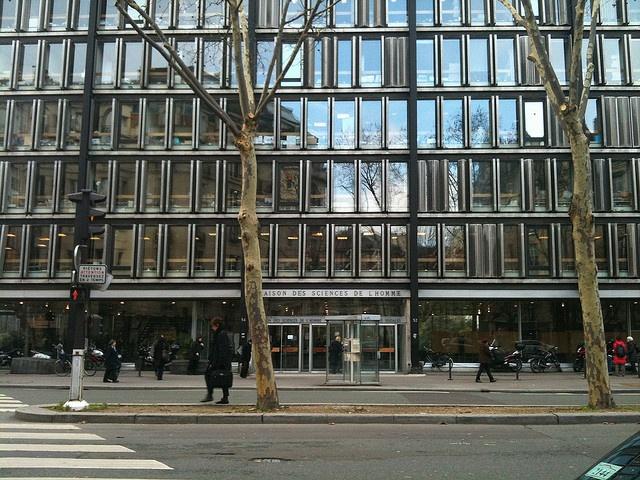 Dynamic facade elements, Paris