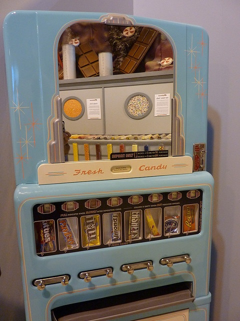 Old Candy Vending Machine - photo by rudyg39