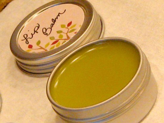 homemade chapped lip balm