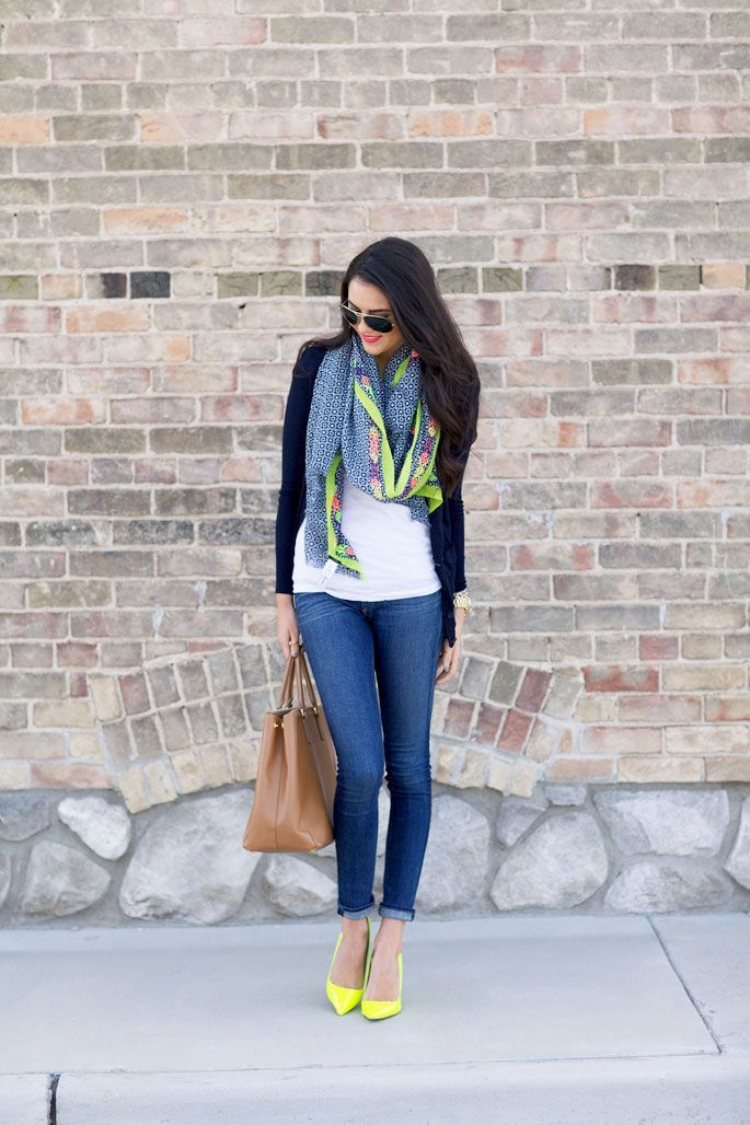 5 Ways to Add a Splash of Color to Your Outfit
