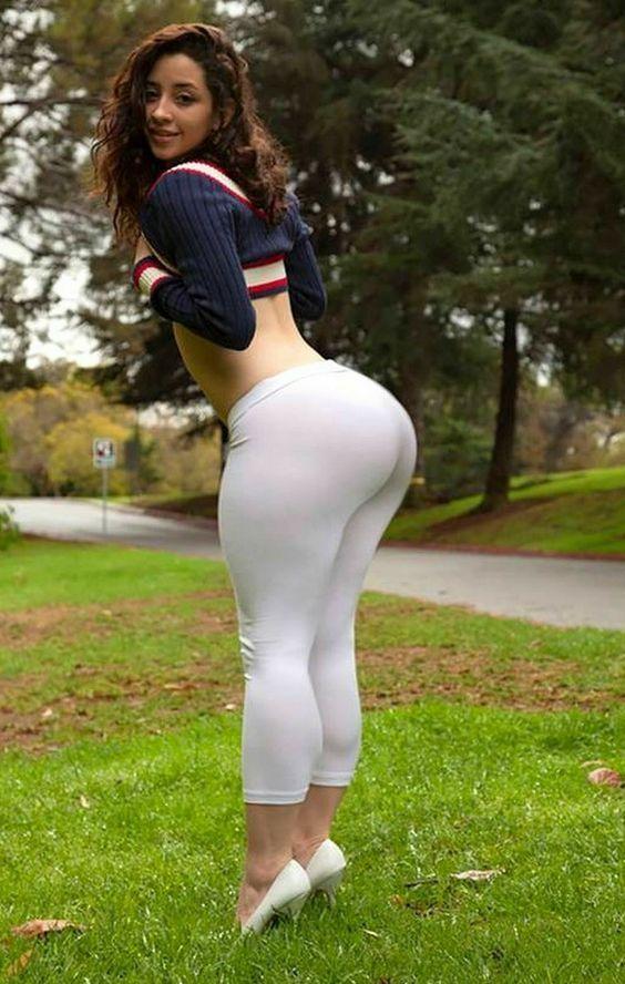 Thick latinas desnudas — img 1