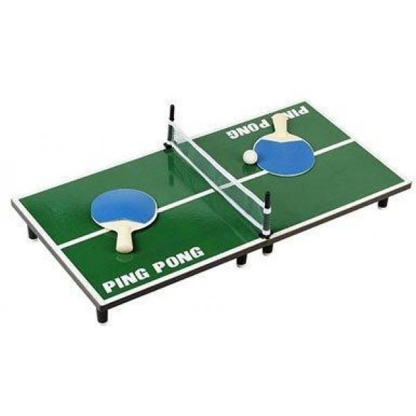 Mini Ping Pong, un divertido juego para jugar en casa rodeado de los amigos. Busque contrincante y compita por el mejor puesto. El tamaño de este juego es de 60 x 30 cm.  Nuestro Juego de Mesa Mini Ping Pong incluye:1 Mesa de Ping Pong2 Paletas1 Pelota de Juego
