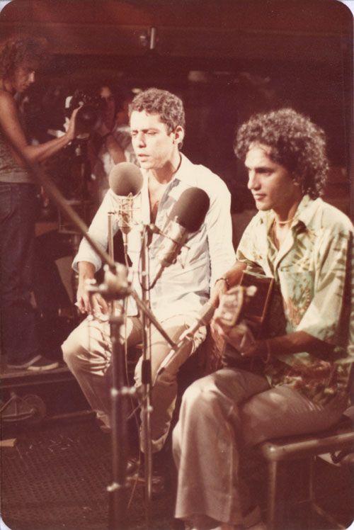 a-rosa-do-chico:    Chico Buarque e Caetano Veloso,1979.