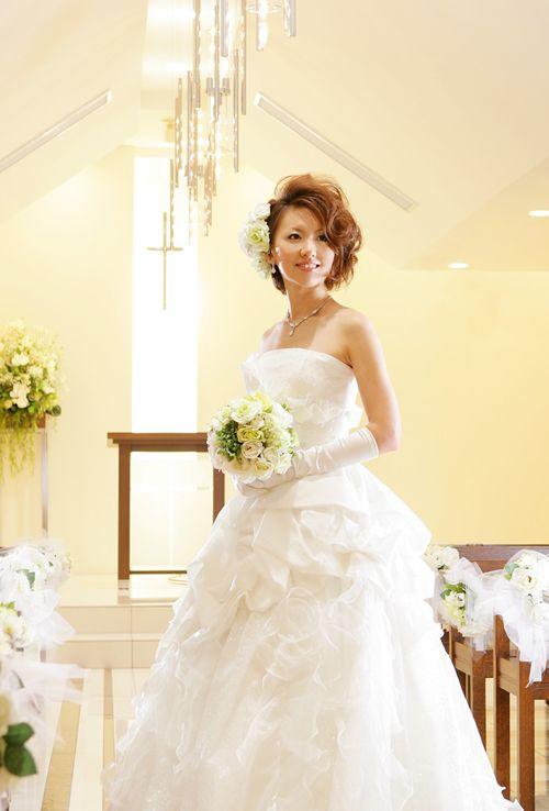画像 : 【画像集】あえて切りたいくらいかわいい!ショート~ボブの花嫁ヘアスタイル。 - NAVER まとめ
