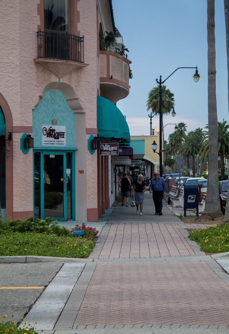 Historic Downtown Venice, Florida shops and restaurants. Photo by Elizabeth Barnett. | Must Do Visitor Guides
