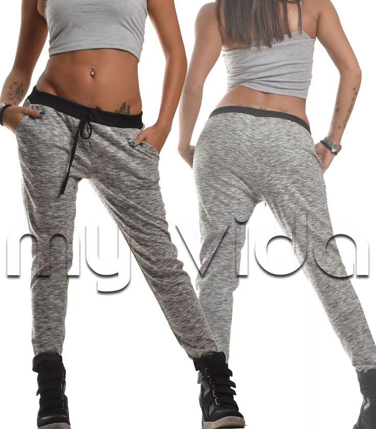Pantalone palestra donna adatto per lo sport il fit ma può diventare chic se abbinato ad un tacco e una maglia corta asimmetrica.