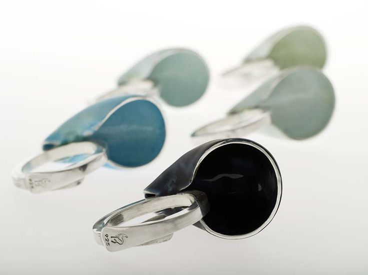 Beautiful silver jewellery with coloured enamel designed and made by the norwegian contemporary jewellery designer Linn Sigrid Bratland. To see the whole collection and order, go to http://artbyhand.no/butikk/smykkedesign