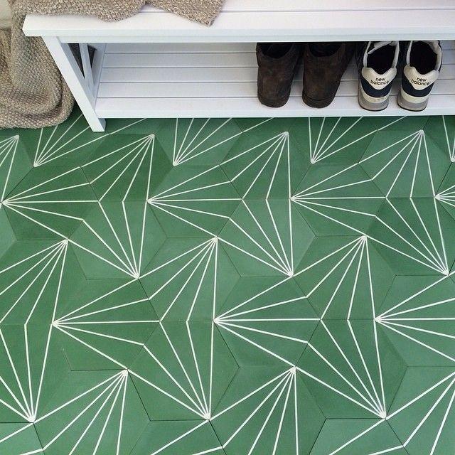 Instagram media by marrakechdesign - Dandelion - Green Sandpapprad, 16mm, SEK 672/Box #marrakechdesign #kakel #klinker #fliser #design #claessonkoivistorune #ckr #weshipworldwide #tiles #badrum #bathroom #kök #kitchen #dandelion #hall #handmade #handmadetiles #marockanskt #maroccantiles #marockansktgolv