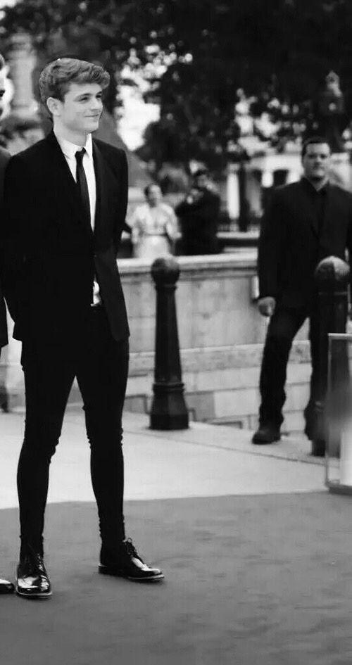 efecto esmoquin + Martin Garrix.... esta para morirse..
