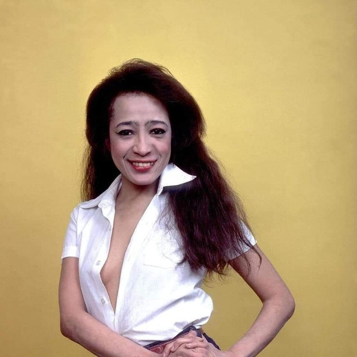 Ronnie Spector in 2020 | Ronnie spector, Celebrities, Pop ...