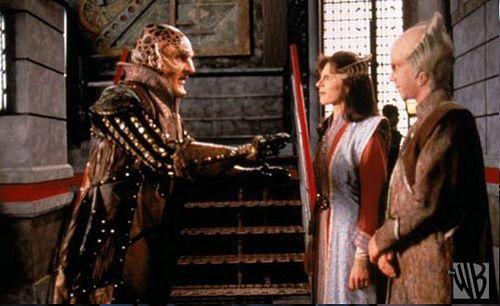 Andreas Katsulas as G'Kar in conversation with Mira Furlan as Ambassador Delenn and Bill Mumy as Lennier