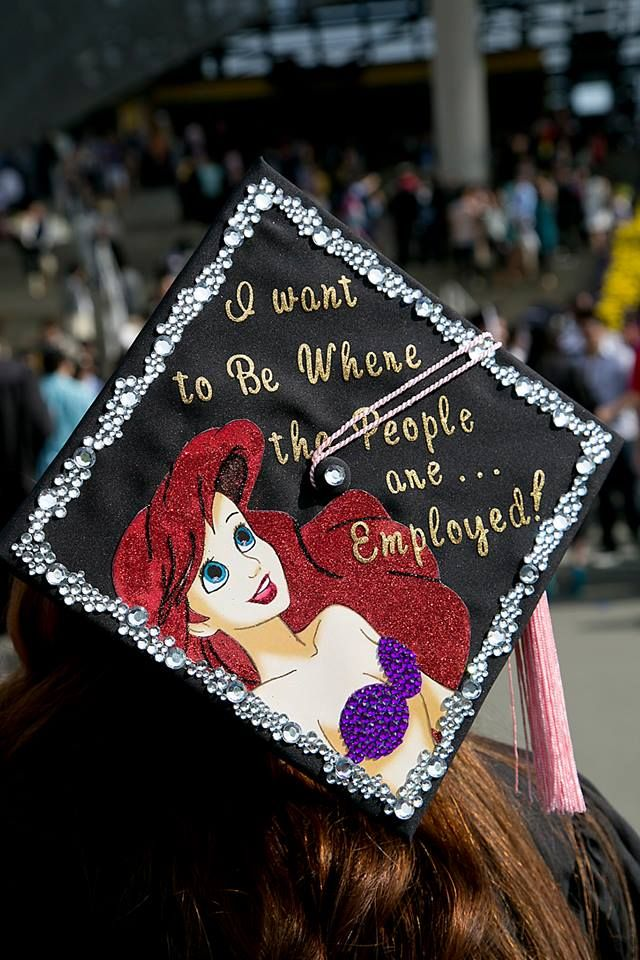 This should have been mine! Disney Graduation CapLittle Mermaids, Cap Ideas, Graduation Caps, Grad Cap, Head Of Garlic, Ariel, Colleges Graduation, Crafts, Disney Graduation Cap