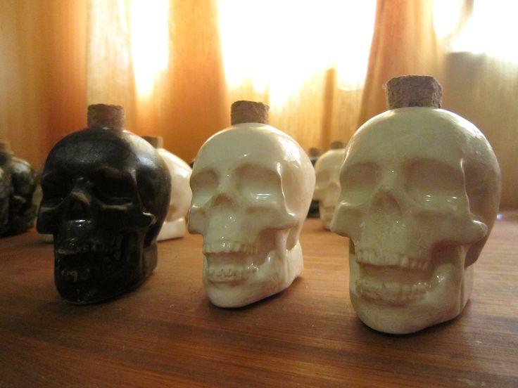 Ceramics piece - Skull by Sophia Lenzi