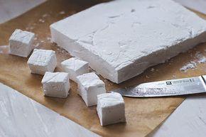 Rezept für selbst gemachte DIY Marshmallows - homemade Mäusespeck für alle!