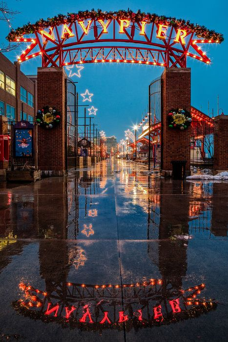 Navy Pier, Chicago.  http://www.besteno.com/questions/where-is-the-best-place-to-go-sight-seeing-in-chicago-illinois