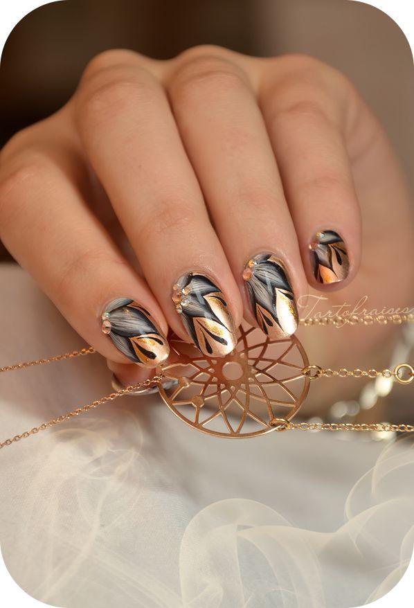 Beautiful gold nails