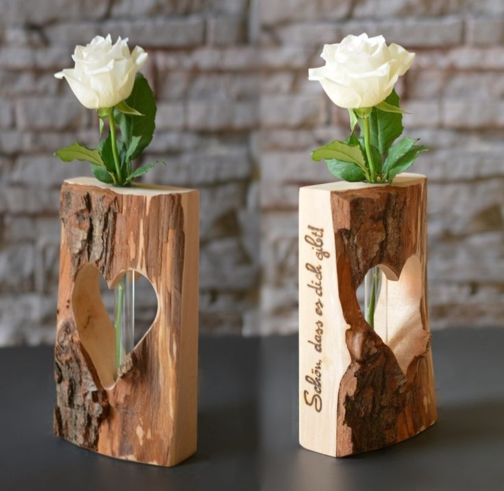 Herzvase-Dualis, Holzdekoration mit Glasröhren