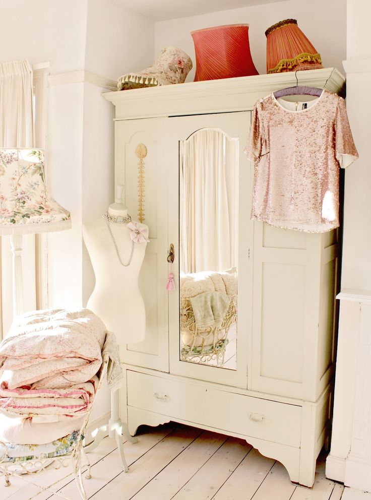 25 best ideas about shabby chic wardrobe on pinterest Shabby chic bedroom accessories