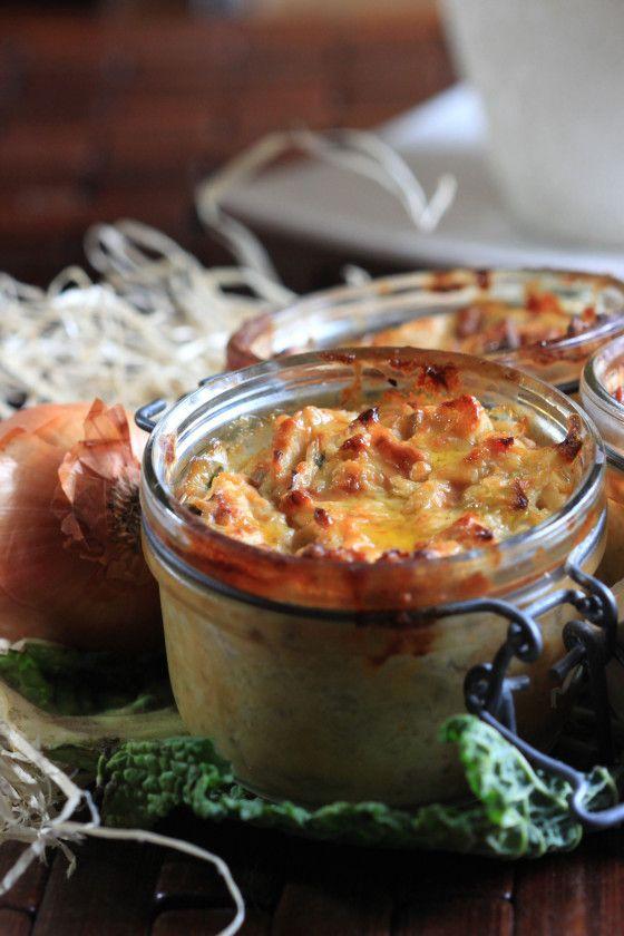 Fondant de chou vert, oignons, oeufs, crème, fromage (40 min au four)