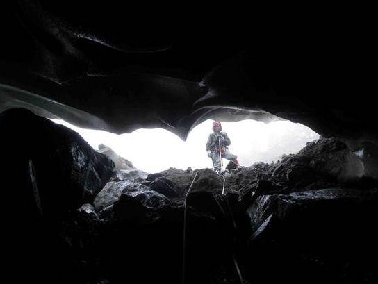 La grotta Effimera (Monte Rosa)