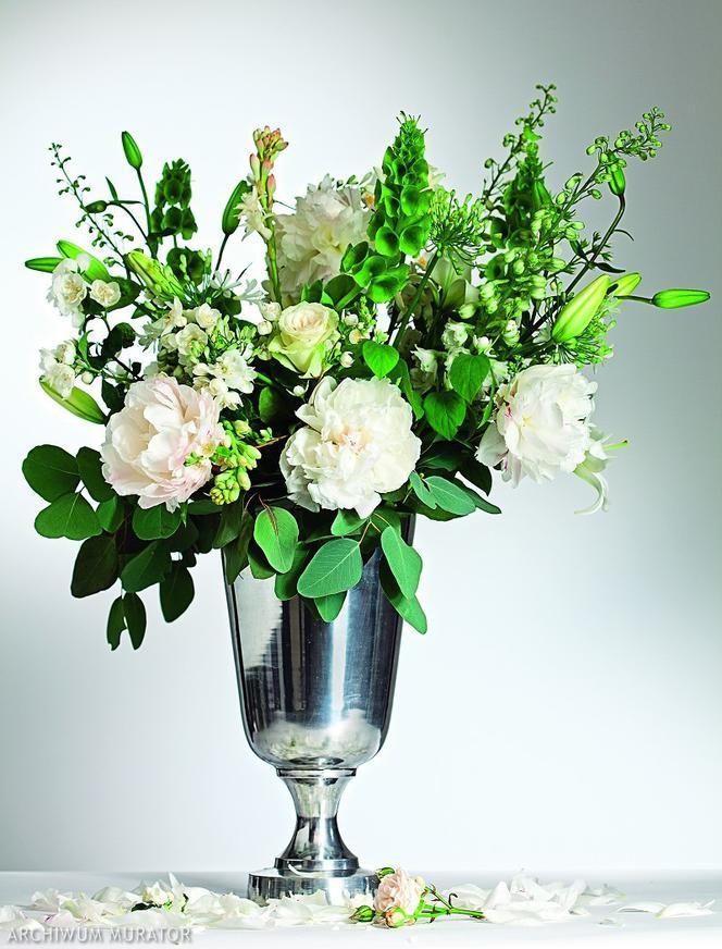 Jak Pielegnowac Ciete Kwiaty Aby Jak Najdluzej Staly W Wazonie Oto Kilka Rad Jak Przedluzyc Swiezosc Cietych Kwiatow Sprawdz Dlaczego Vase Glass Glass Vase