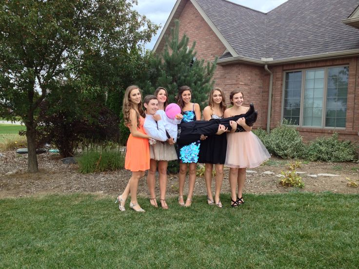 Homecoming group picture