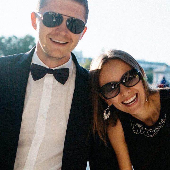 En | Ru  Sunny and warm walk from Trocadéro to Place de la Concorde and so many smiles. Photographer: @antonwelt Теплая и солнечная прогулка от Трокадеро до Площади Согласия и очень много улыбок. Фотограф: @antonwelt #fontanawedding #antonwelt #wedding #couple #lovestory #paris #parisjetaime #paris #honeymoon #honeymoontour #honeymooners #lovestoryinparis #weddinginparis #france #french