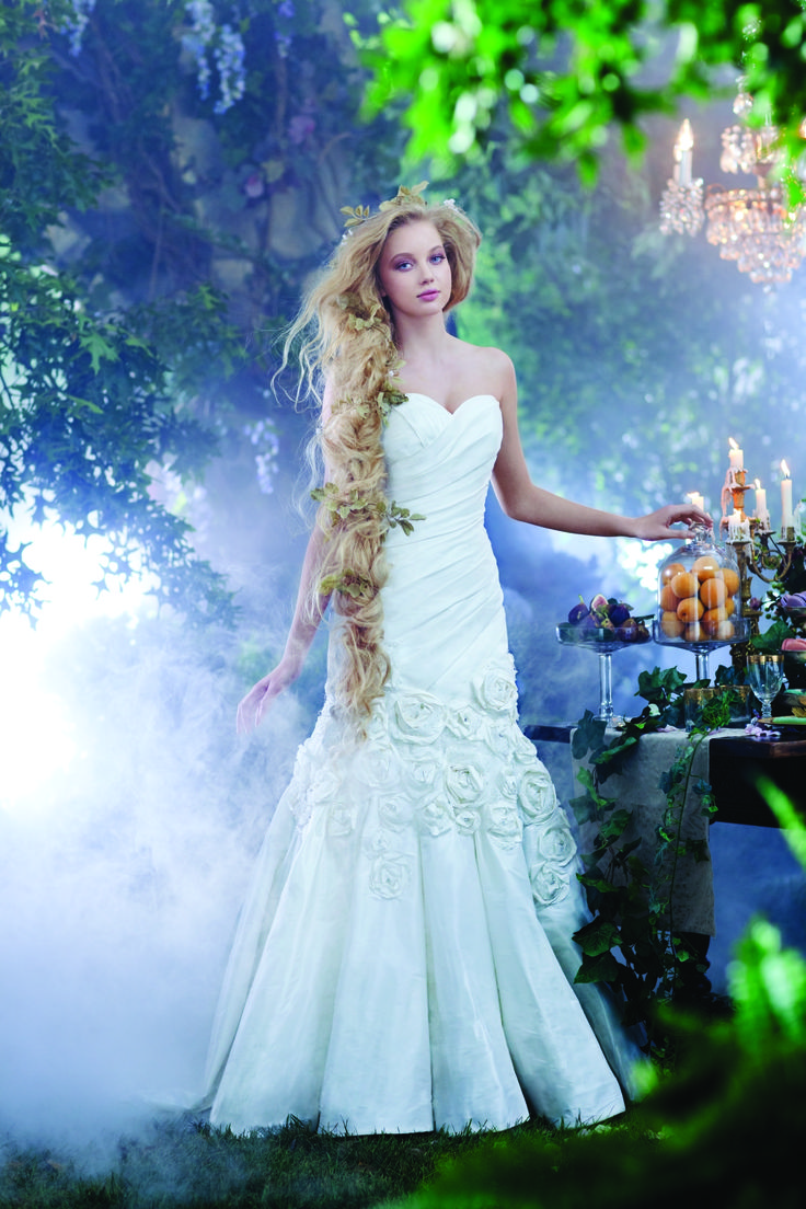 152 best disney wedding ideas images on pinterest disney for Fairytale inspired wedding dresses