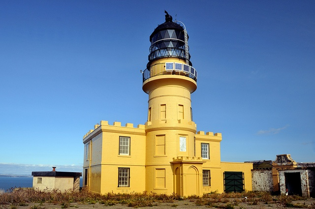 Inchkeith Lighthouse, Firth of Forth, Scotland by iancowe, via Flickr: Stevenson Family, Built 1804, Stevenson Lighthouses, Inchkeith Lighthouse, 1804 Robert, Automated 1986, Photo, Grandiose Lighthouses