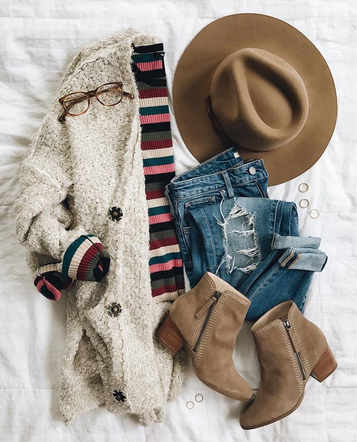 Layer up in the cutest striped tee with a neutral cardigan - Olivia • LivvyLand (@livvylandblog) on Instagram