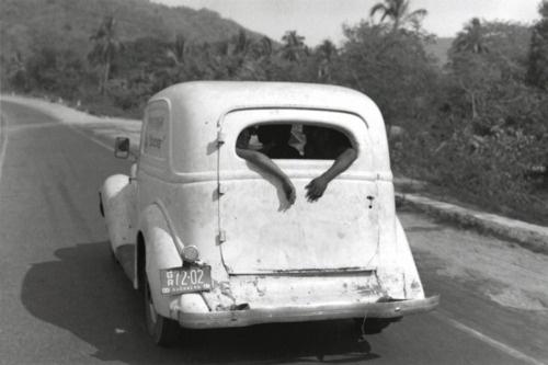 Bernard Plossu - Sur la route d'Acapulco, Mexique, 1965