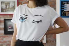 Tutorial: camiseta com estampa de cílios/piscada ;)