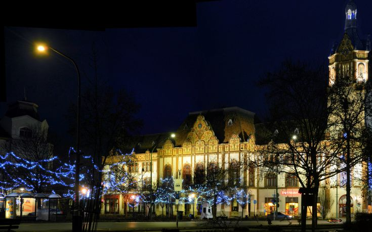 Before Christmas in my city, downtown - Facade of the Town Hall in Zsolnay style, Kiskunfélegyháza, Hungary, Nikon Coolpix L310, 18.6mm, 1s, ISO80, f/4.5, panorama mode: segment 6, HDR photography, 201712030736