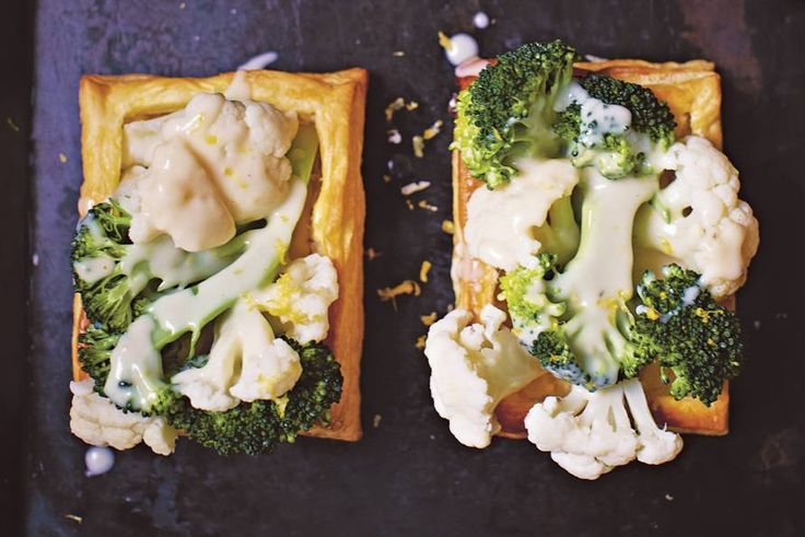 Allerhande - Rachel Khoo's met groenten gevulde bladerdeegbakjes