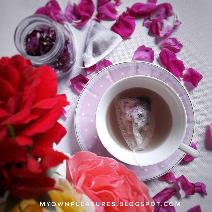 Domowa herbata z płatków róży i mięty, przepis