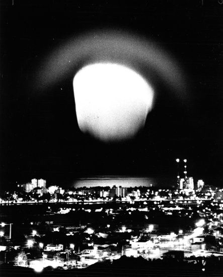 Nuclear test, [johnston island as seen from] hawaii 1962 :: UPDATE:  some info i've found: Starfish Prime was a high-altitude nuclear test conducted by the United States of America on July 9, 1962, a joint effort of the Atomic Energy Commission (AEC) and the Defense Atomic Support Agency (which became the Defense Nuclear Agency in 1971). http://en.wikipedia.org/wiki/Starfish_Prime no nukes dammit!