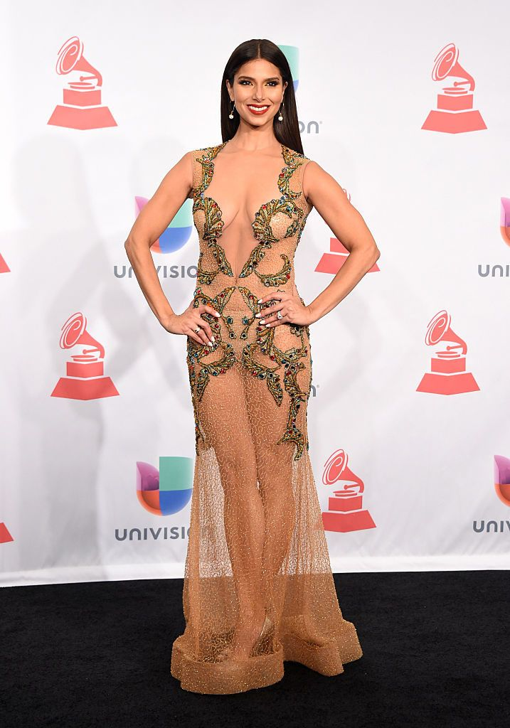 Most Shocking Red Carpet Dresses Ever Ynetnews Ropa Roselyn Sanchez Famosos