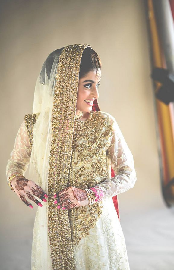 My God, how gorgeous is this Pakistani bride?! I hope I look as stunning as her on my wedding day iA. | Photo by Ali Khurshid