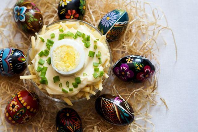 gotować! - Warstwowa sałatka z jajkiem