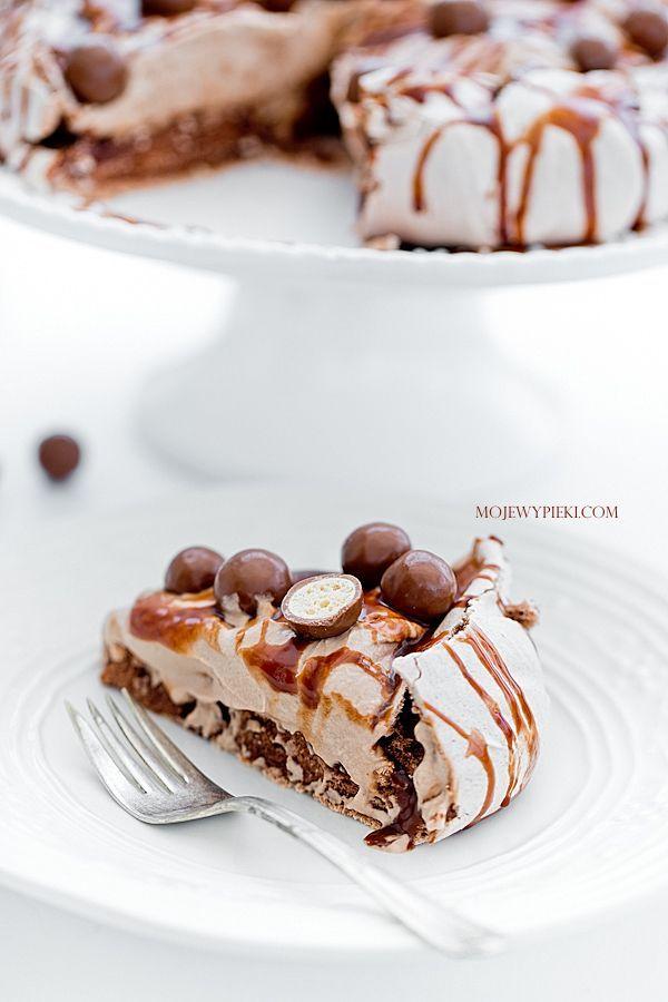 double chocOlate pavlova with nutella cream and chocolate sauce