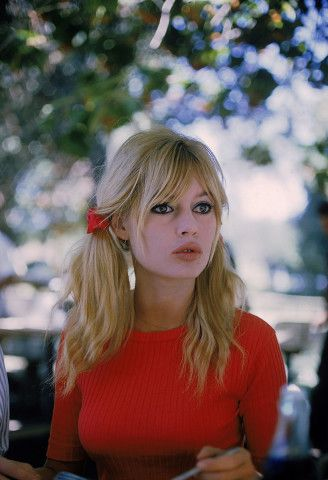 Brigitte Bardot's 8 best beauty moments.